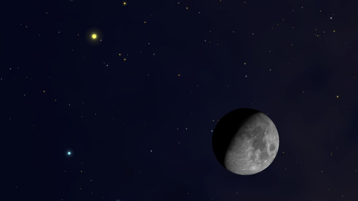 Catch the Moon and Saturn Cozying Up to Each Other This Weekend