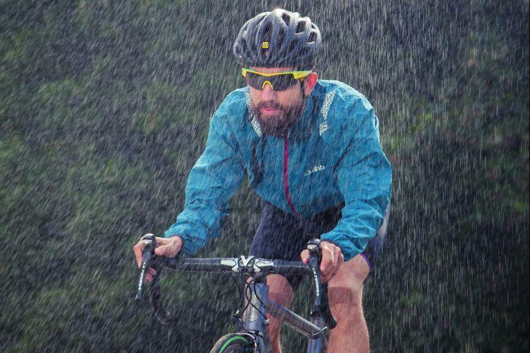 cycle in the rain ride in the rain
