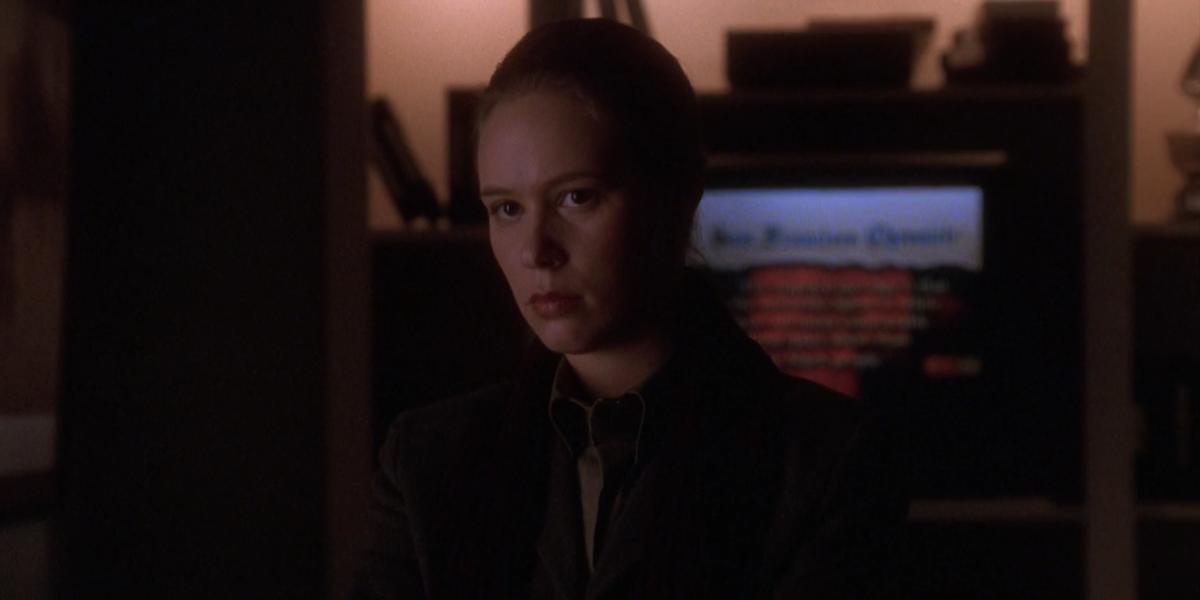 The West Wing Liza Weil Karen Larsen in Leo's office