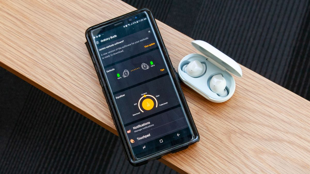 Apple AirPods 2 vs  Samsung Galaxy Buds: Why Samsung Still Wins