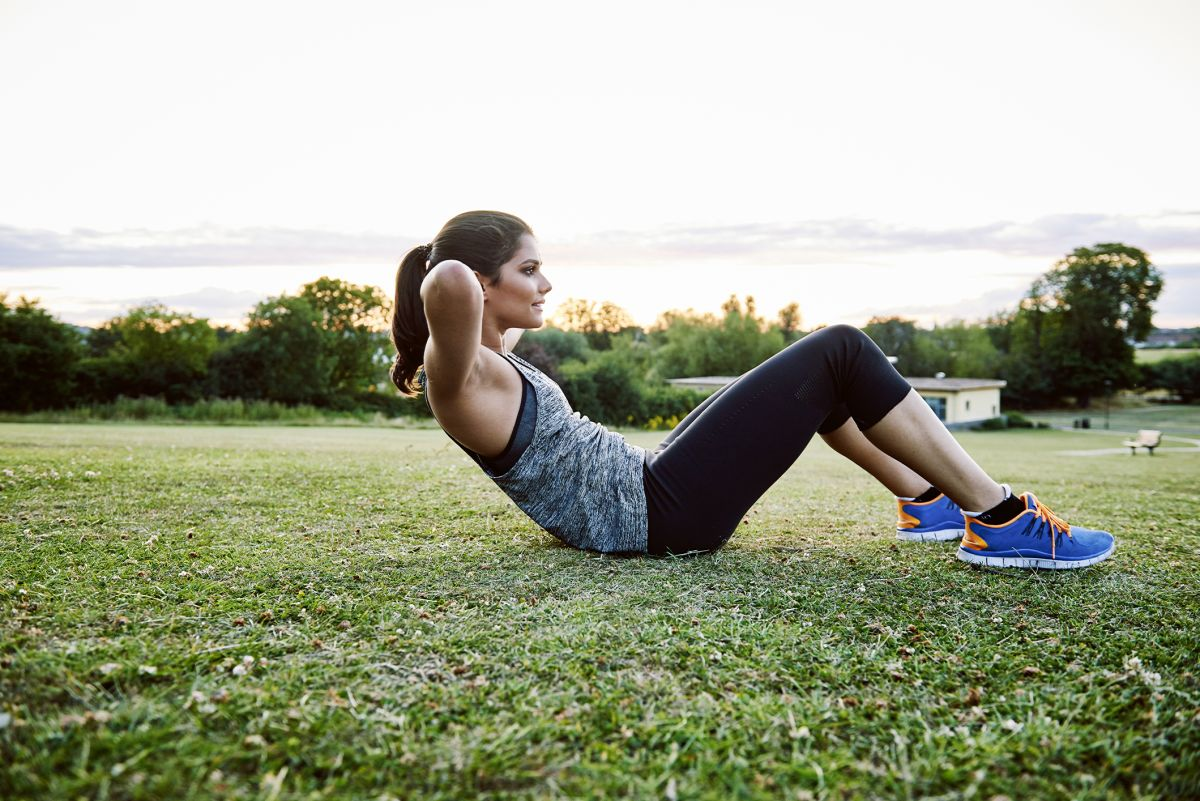 How to do ab crunches for beginners: the best stomach exercises to tone up