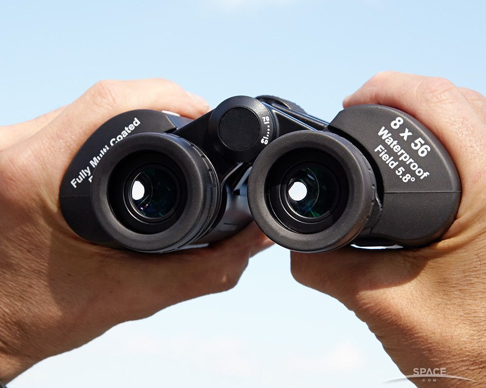 How to Choose Binoculars for Astronomy and Skywatching | Space