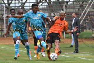 Rodrick Kabwe challenges Wayde Jooste