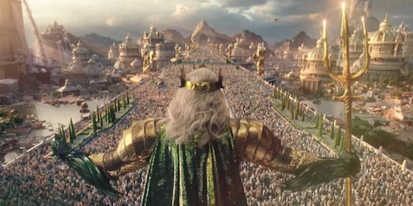 Atlantean king addressing citizens in Aquaman