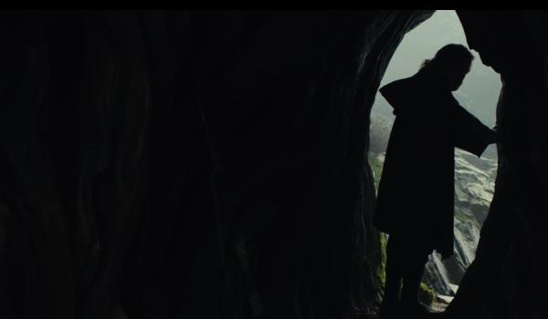 Star Wars: The Last Jedi Luke Leaving
