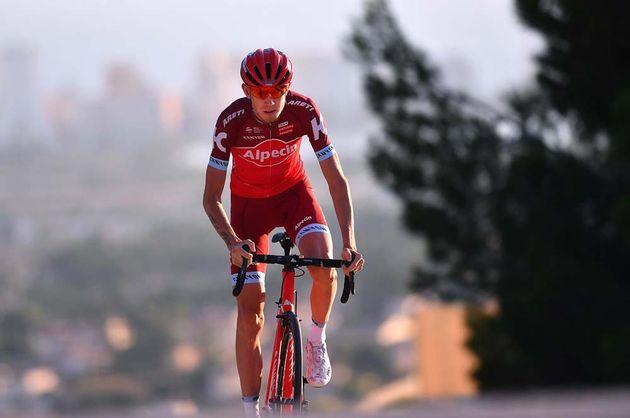 Katusha-Alpecin unveil new 2017 team kit - Cycling Weekly 2e0975010