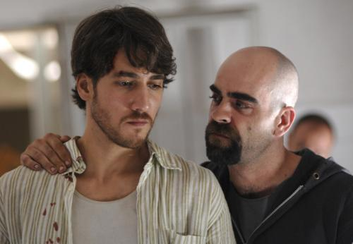 Cell 211 - Alberto Ammann as Juan Oliver and Luis Tosar as Malamadre in Daniel Monzón's gripping prison drama