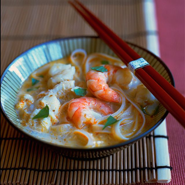 Thai Style Soup with Prawns, Noodles and Lemongrass