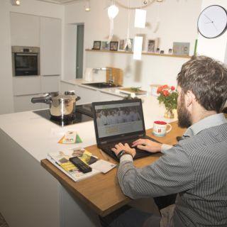 Privat erledigen viele nicht nur ihre Bankgeschäfte online. Sie kaufen online ein, sie organisieren sich digital.