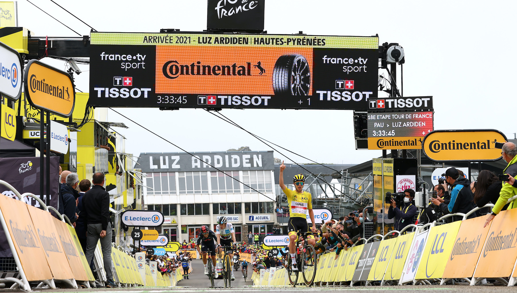 Tadej Pogačar wins stage 18 of the Tour de France