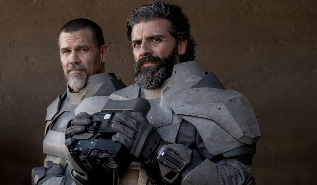 Dune Gurney and Leto keep watch