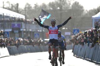 Jasper Stuyven beats Yves Lampaert to win Omloop Het Nieuwsblad.