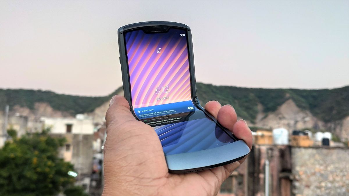 Oppo could be next to launch a clamshell foldable smartphone