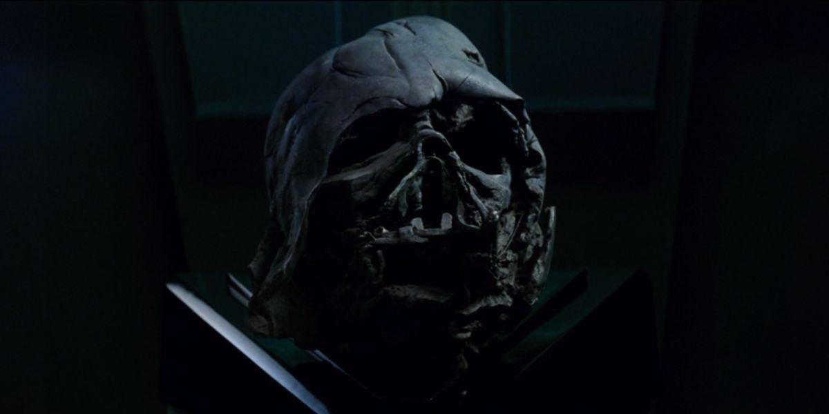 Star Wars The Rise Of Skywalker Deleted Scene Reunites Kylo Ren With Darth Vader S Mask Cinemablend