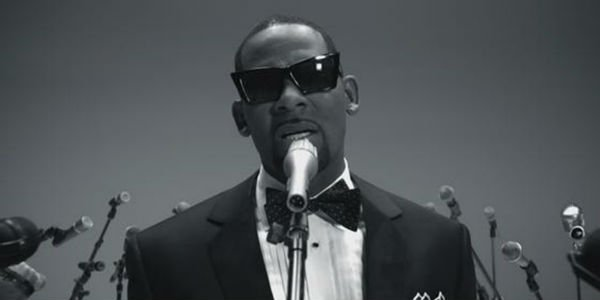 "R. Kelly ""When A Woman Loves"" Music Video"