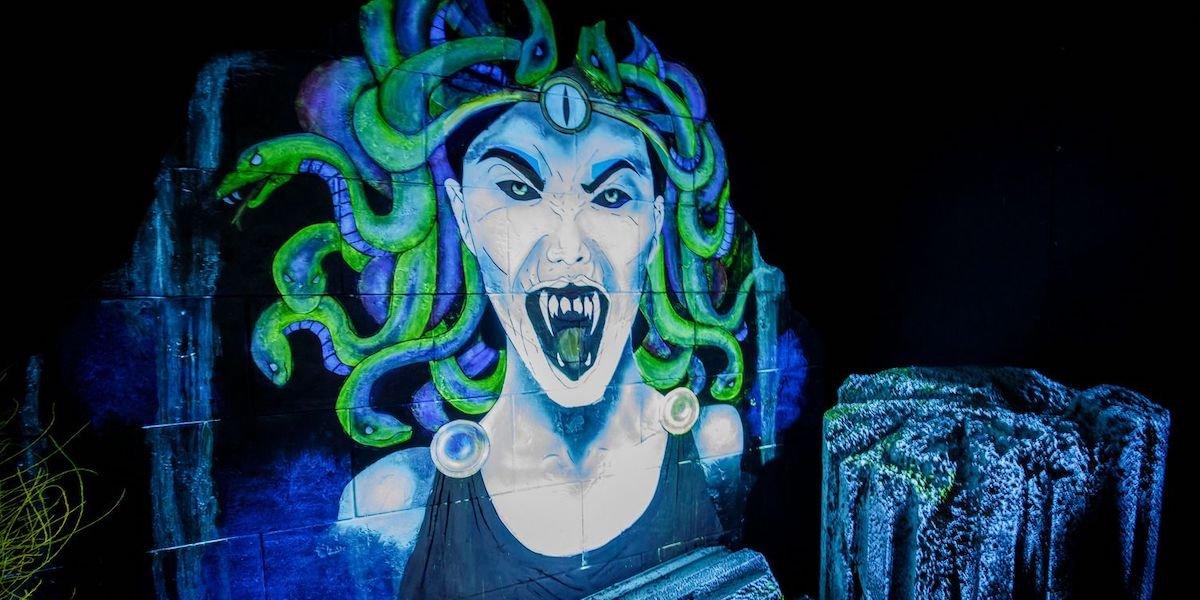 Medusa in The Curse Of Pandora's Box maze Universal Hollywood's Halloween Horror Nights 2021