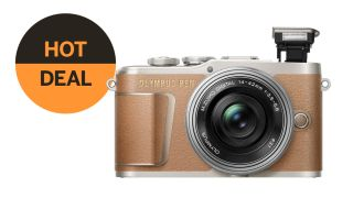 Save $500 on the Olympus PEN E-PL9 + pancake lens – epic Labor Day deal!
