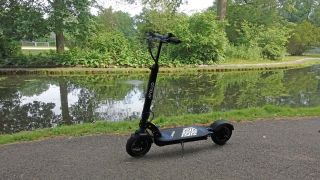 Apollo Explore electric scooter review