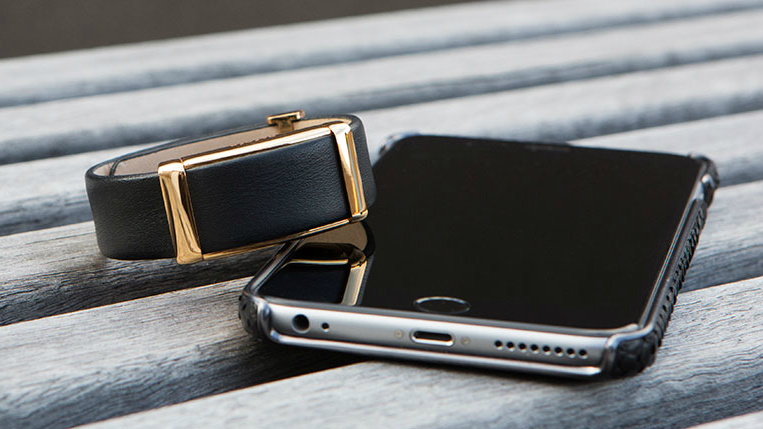 Sona watch and phone