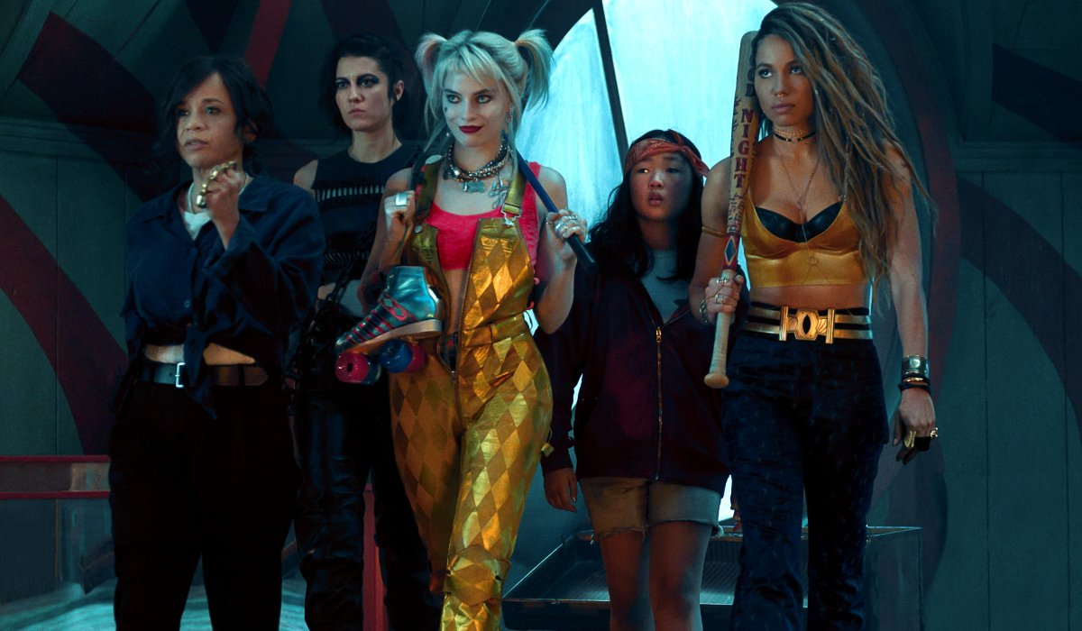 Birds Of Prey Harley and the girls walk into battle