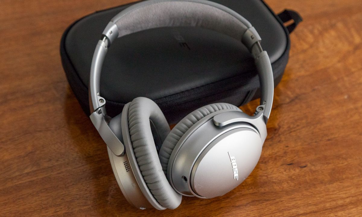 Act Fast: Bose QC 35 Now $125 Off