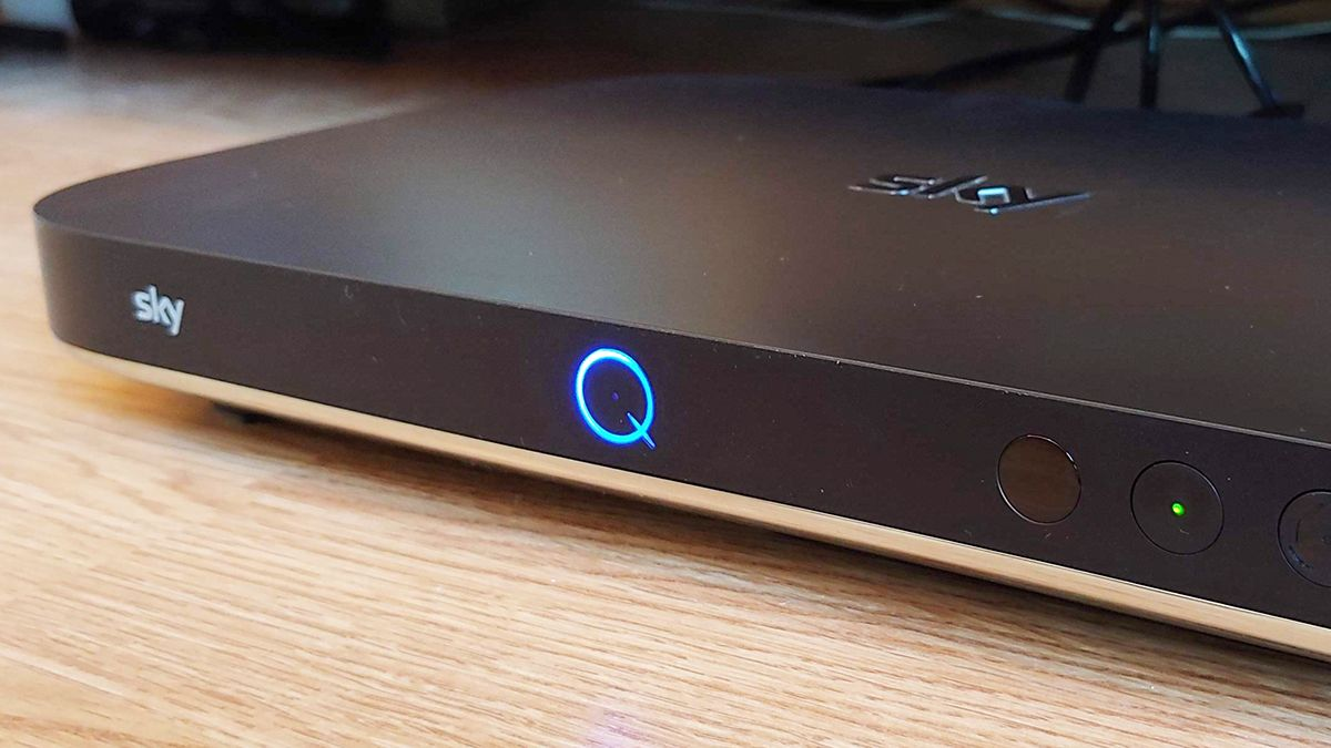 Sky broadband outage forces swathes of UK customers offline