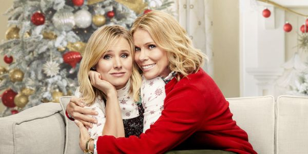 Cheryl Hines and Kristen Bell in Bad Moms Christmas
