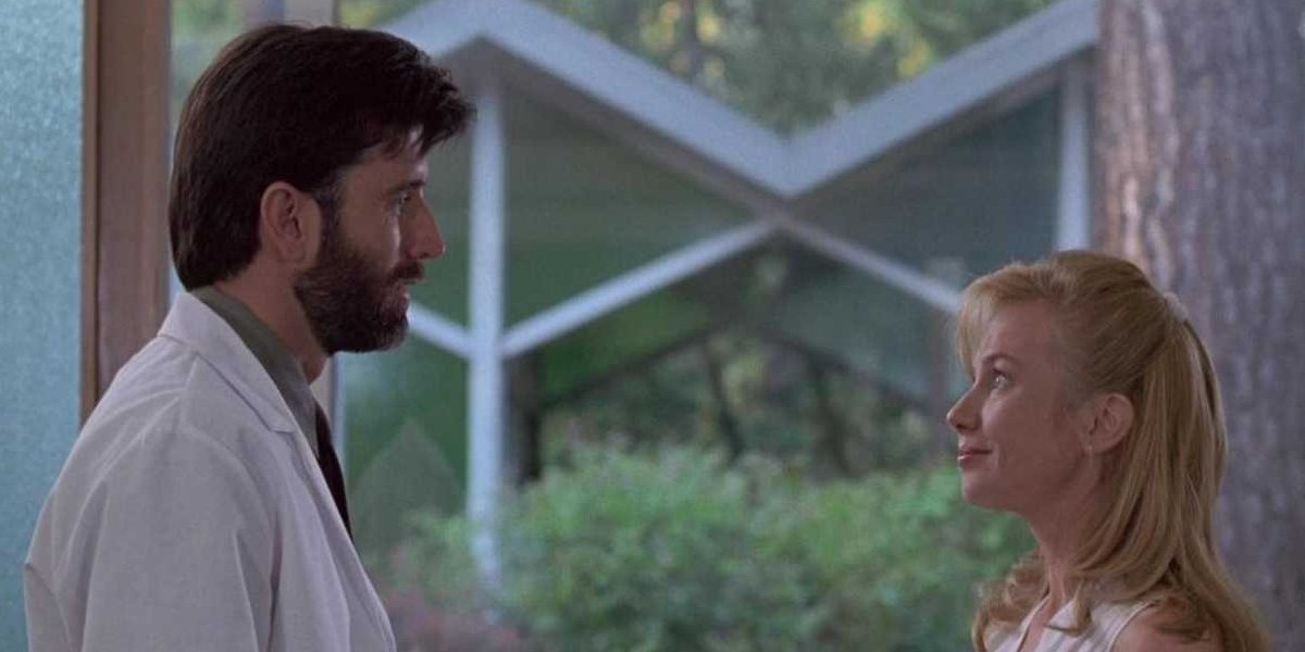 Matt McCoy and Rebecca DeMornay in The Hand That Rocks the Cradle