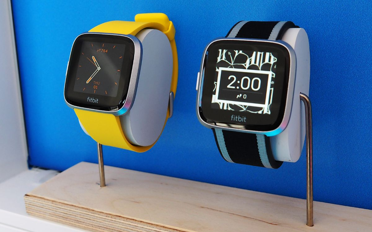Fitbit Versa Lite vs Fitbit Versa: What's Different? | Tom's