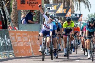 Alice Barnes wins stage 3 of Setmana Ciclista Valenciana