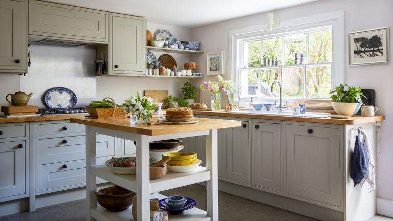 Small cottage kitchen ideas