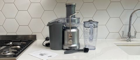 Breville the Juice Fountain Cold on a kitchen countertop