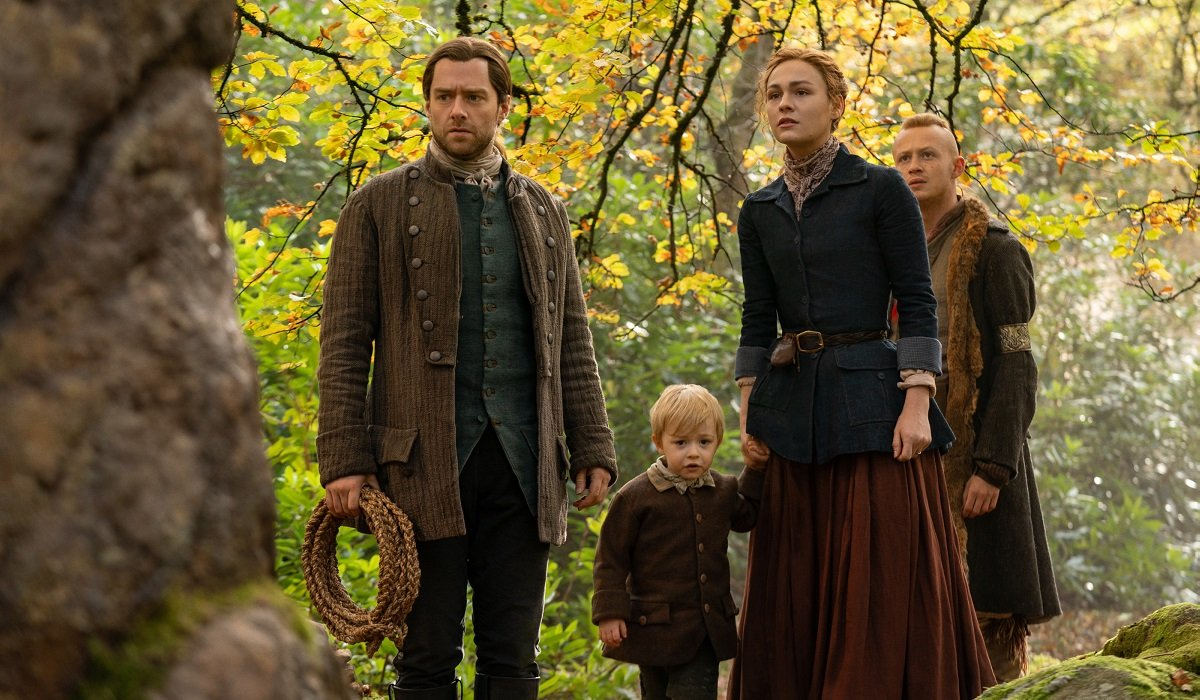 outlander brianna and roger go to the future