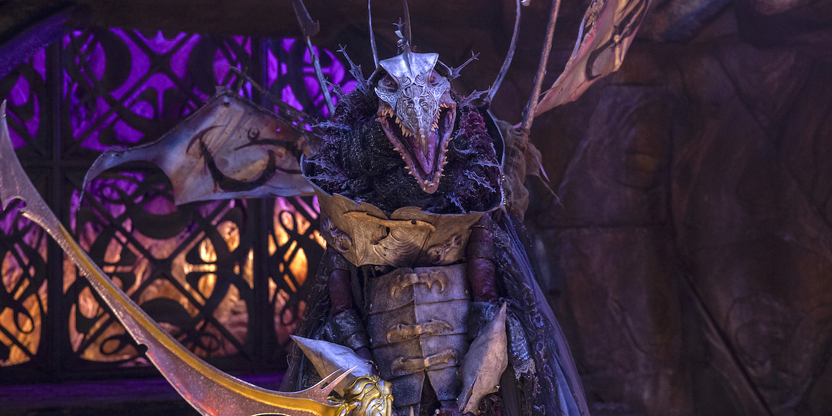 the dark crystal age of resistance netflix skeksis with giant blade