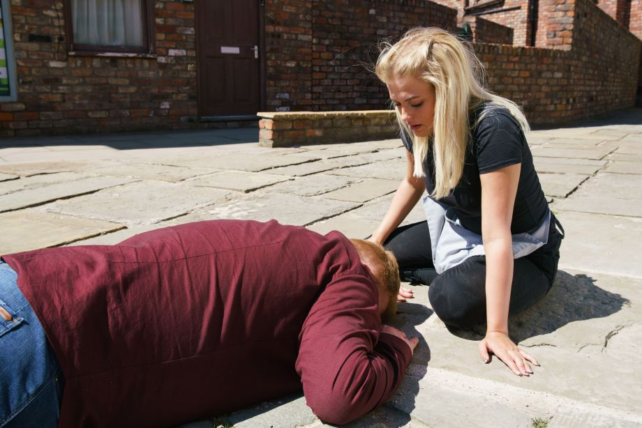 Coronation Street spoilers: Craig Tinker is hit by a car!