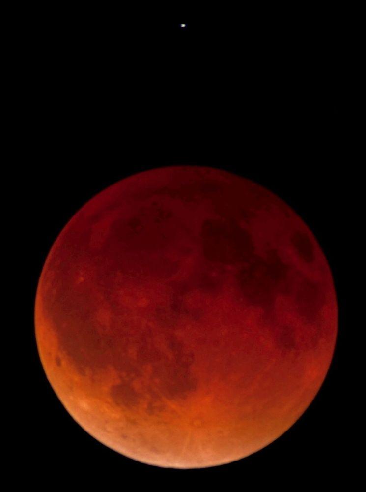 blood moon photos total lunar eclipse pictures from april 15 2014 space blood moon photos total lunar eclipse
