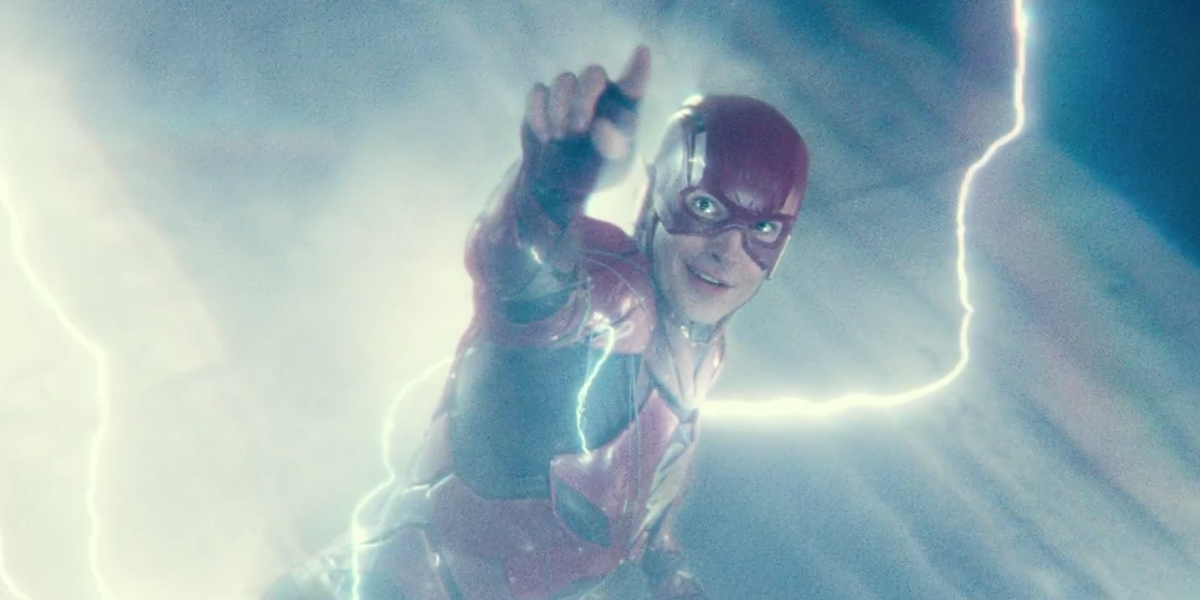Flash smiling in Justice League