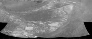 After Dust Storms, Mars Rover Set to Enter Giant Crater