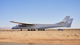 World's Biggest Plane Taxis Closer to Takeoff | Live Science