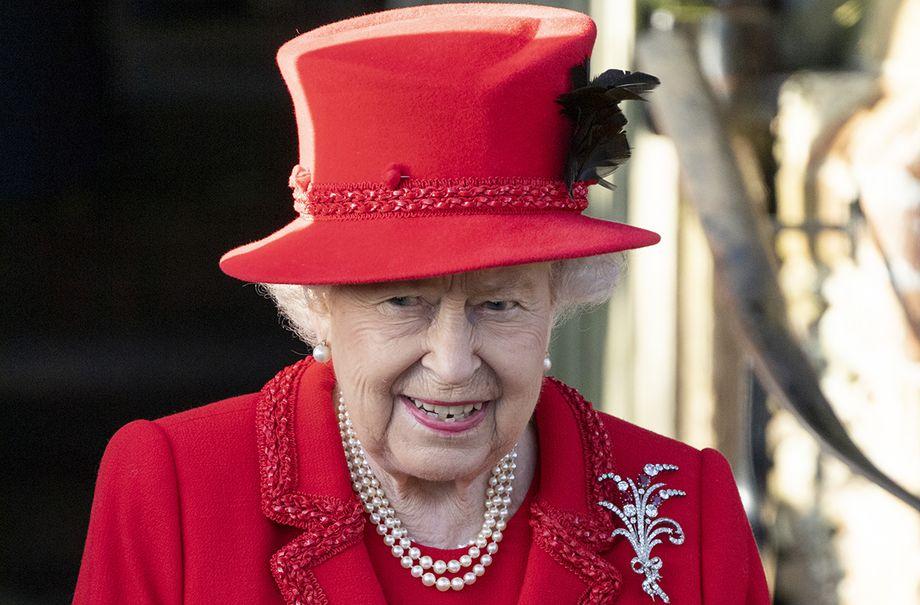 queen wore hat backwards surprising reason