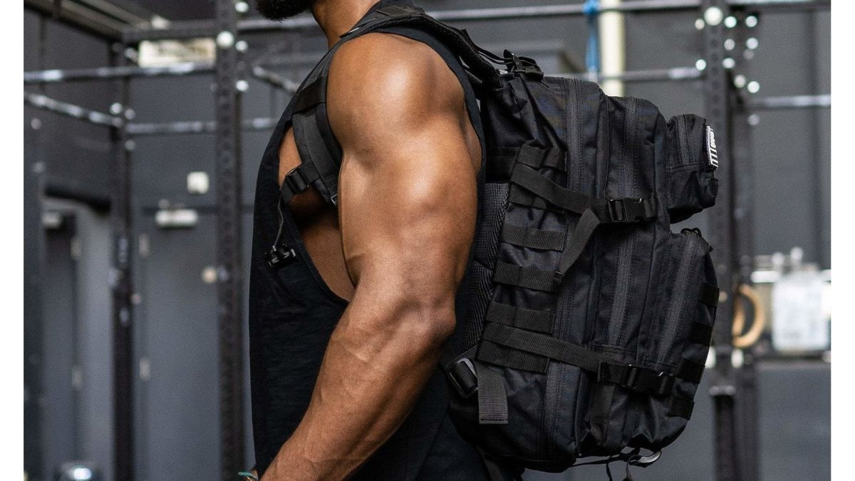 How to pack a gym bag: 10 tips on what to have in it and how to pack it right