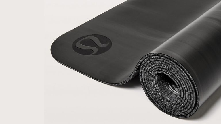 Lululemon The Reversible Mat 3mm rolled