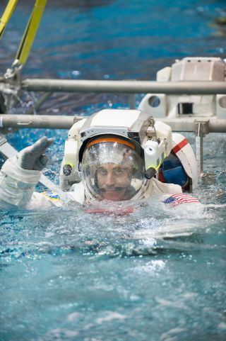 expedition 35 crew, training