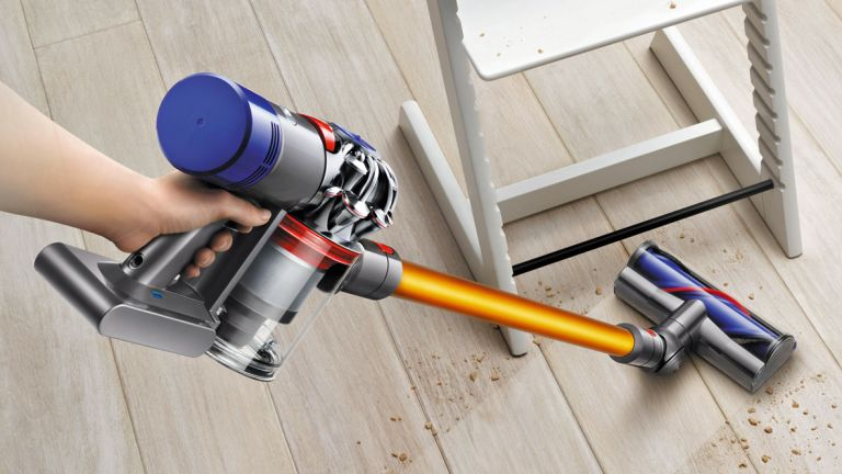 Dyson V8 Absolute Review Finally The Ultimate Cordless Vacuum