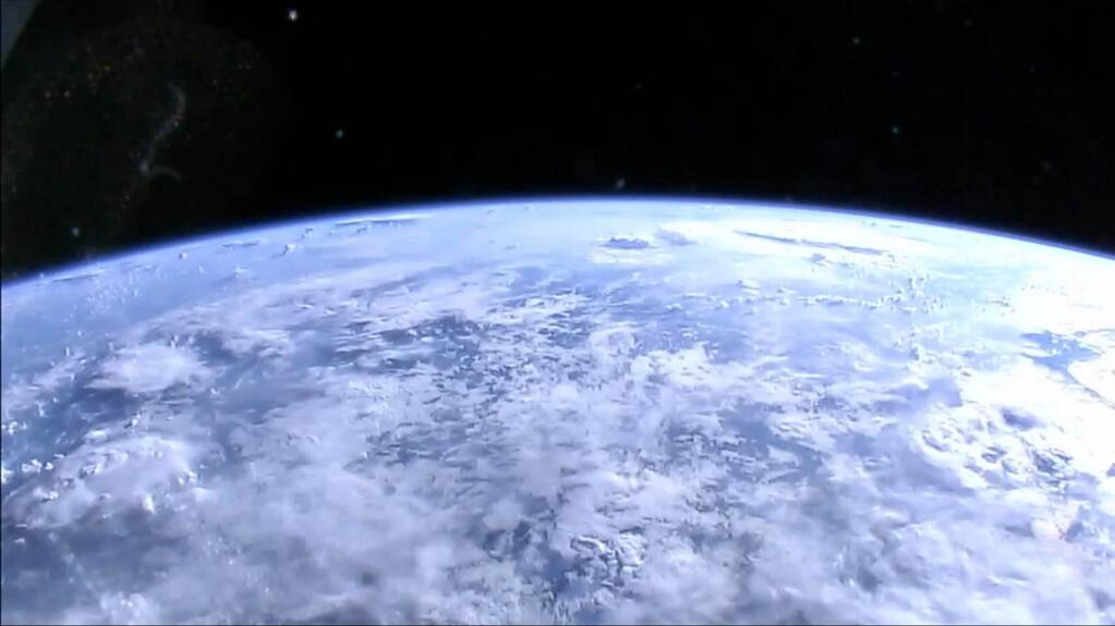 NASA Now Streaming Live HD Camera Views of Earth from Space (Video