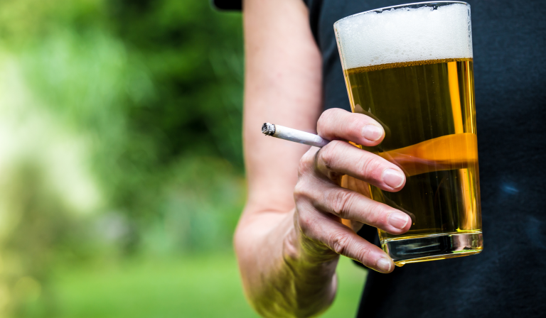 Heart disease risk factors: smoking and drinking