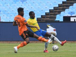 Thulani Hlasthwayo challenges Peter Shalulile