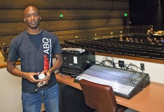 """Lectrosonics Wireless Tech Helps TEDXABQ 2013 Event to """"Be Extraordinary"""""""