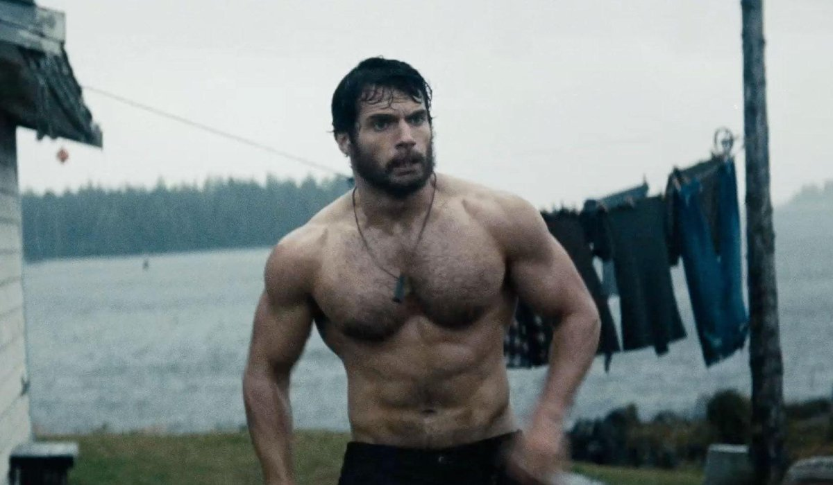 Man of Steel Henry Cavill shirtless in front of a clothesline