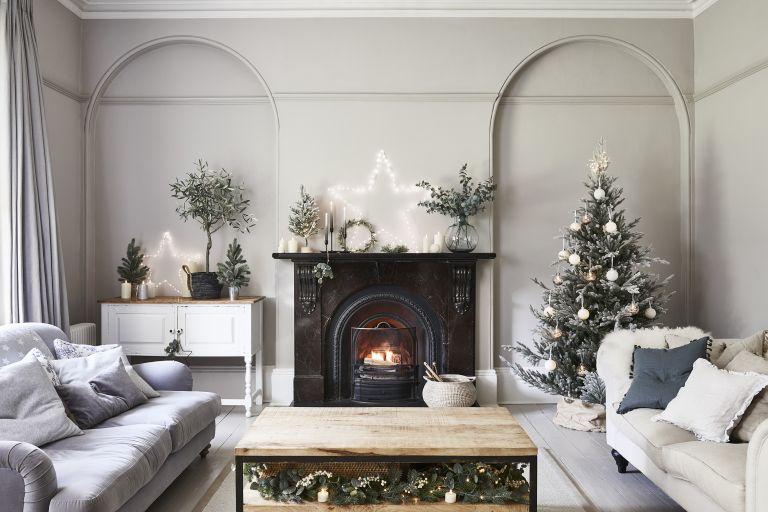 Christmas living room decorating ideas Lights4fun Christmas fairy lights
